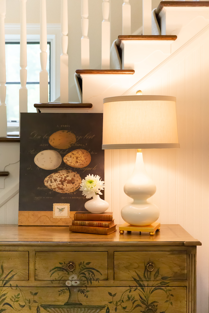 foyer-hallway-dresser-table-lamp