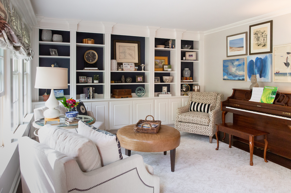 pennington-nj-living-room-interior-design-gallery-wall-piano-built-in-shelves